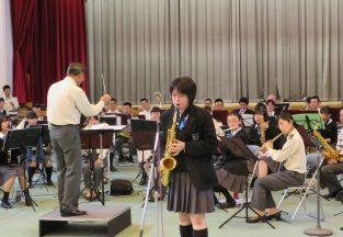陸上自衛隊第六音楽隊との合同演奏会を開催しました。